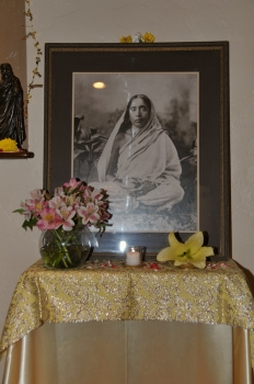 Holy Mother Puja Dec 2013 2.jpg